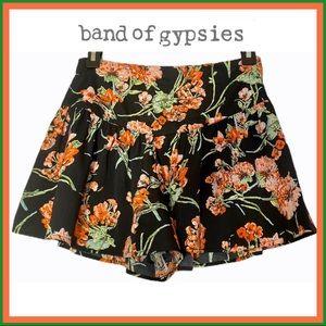 BAND OF GYPSIES BLACK FLORAL PRINT SKORT WORN 1X